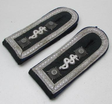 WH (HEER) M36 NCO Medical Shoulder Boards - Nice Used Condition